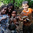 Turtle hunting with friends -  Kakadu National Park : Kakadukid
