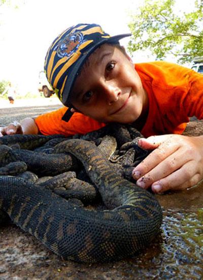Lying with file snakes - Djukbinj National Park - east of Kakadu National Park : Kakadukid