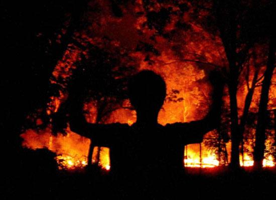 Seasonal burning of the bush -  Kakadu National Park : Kakadukid